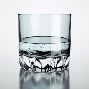 Verre et liquide: un rendu avec des bulles
